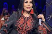 عکس لحظه فرار خانم خواننده افغان از وحشت طالبان!